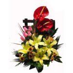 سبد گل طبیعی گل رز و لیلیوم زرد و قرمز