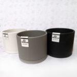 تصویر محصول 3 گلدان پلاستیکی برند مهرنی سفید مشکی خاکستری